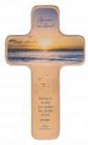 Holzkreuz - Spuren im Sand