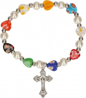 Millefiori-Armband mit herzförmigen Perlen