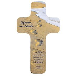 Holzkreuz: Spuren im Sand