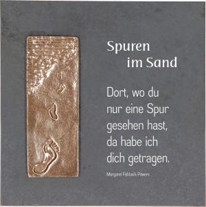 Schieferrelief Spuren im Sand