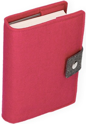 Gotteslob-Buchhülle aus pinkem Wollfilz mit Druckknopf