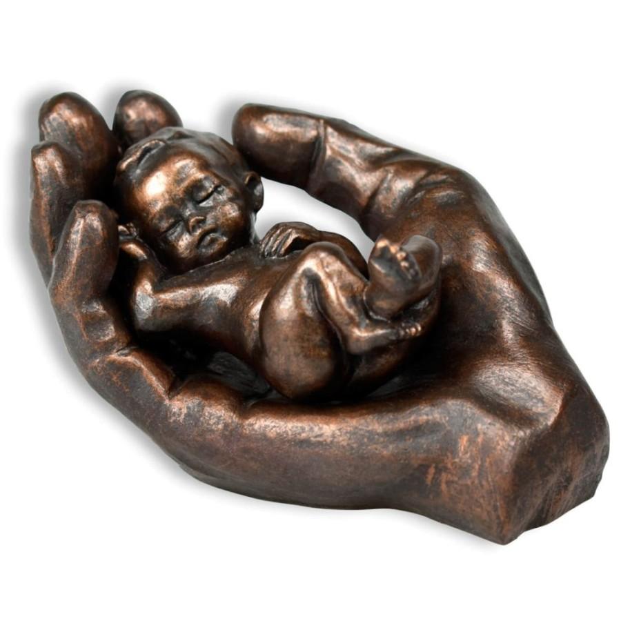 Skulptur - In seiner Hand