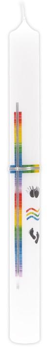 Taufkerze mit Wachsmotiv Kreuz in Regenbogenfarben mit Händchen und Füßchen