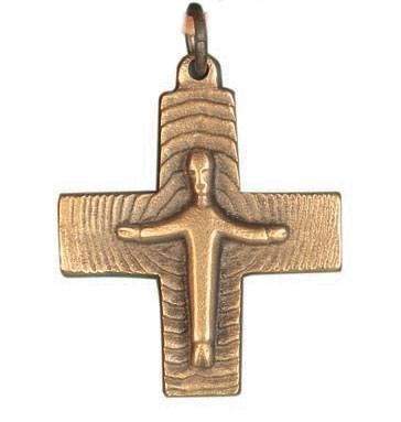 Halskreuz aus Bronze mit Körper