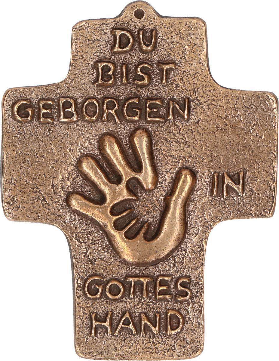 Kommunionkreuz aus Bronze Geborgen in Gottes Hand