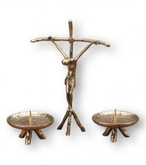 Kreuzgarnitur - Papst-Stehkreuz und zwei Leuchter